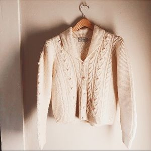 LL BEAN 100% WOOL VINTAGE CABLE KNIT SWEATER